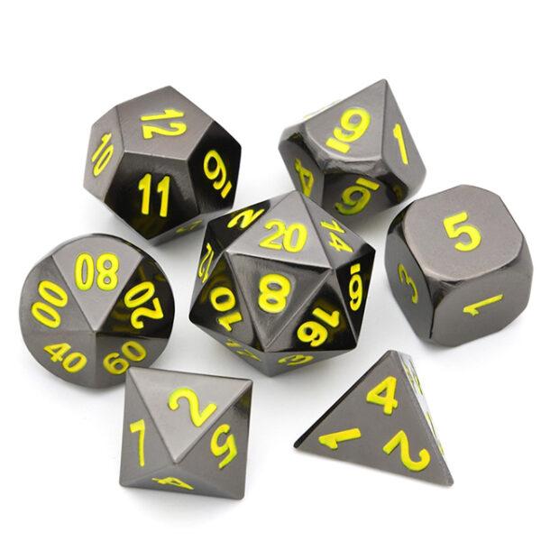 Raven Chrome Metal Dice Set /w Yellow